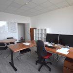 Poslovna stavba Delo